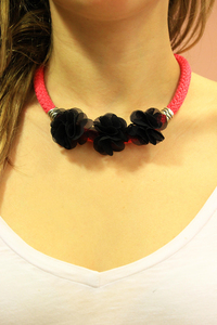Necklace Knitted Flowers Black