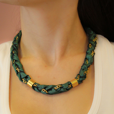 Necklace Taffeta with Green Chain