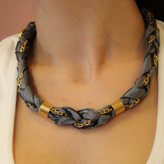 Necklace Taffeta with Gray Chain